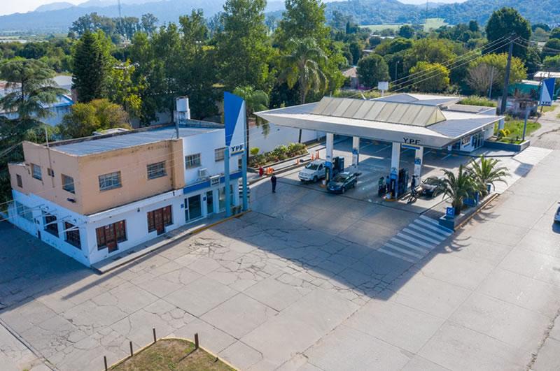 Estación de Servicios YPF en Metan, Salta